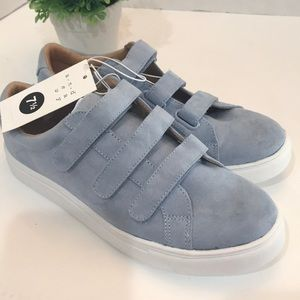 Shoes - Women's Blue Athletic Shoes Sneakers size 7.5 New